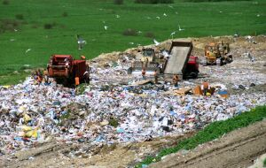 Radni zdecydowali. Zapłacimy więcej za śmieci